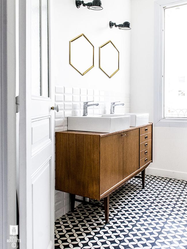Mid-Century Styled Bathroom
