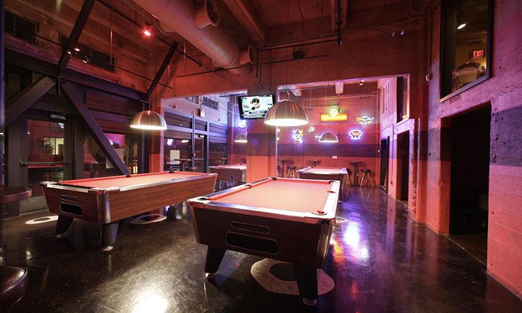 Sacramento Sports Bars   R15 Bar