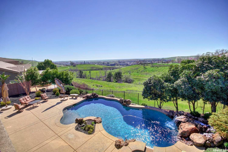 Homes for Sale With Amazing Pools in the Sacramento Area